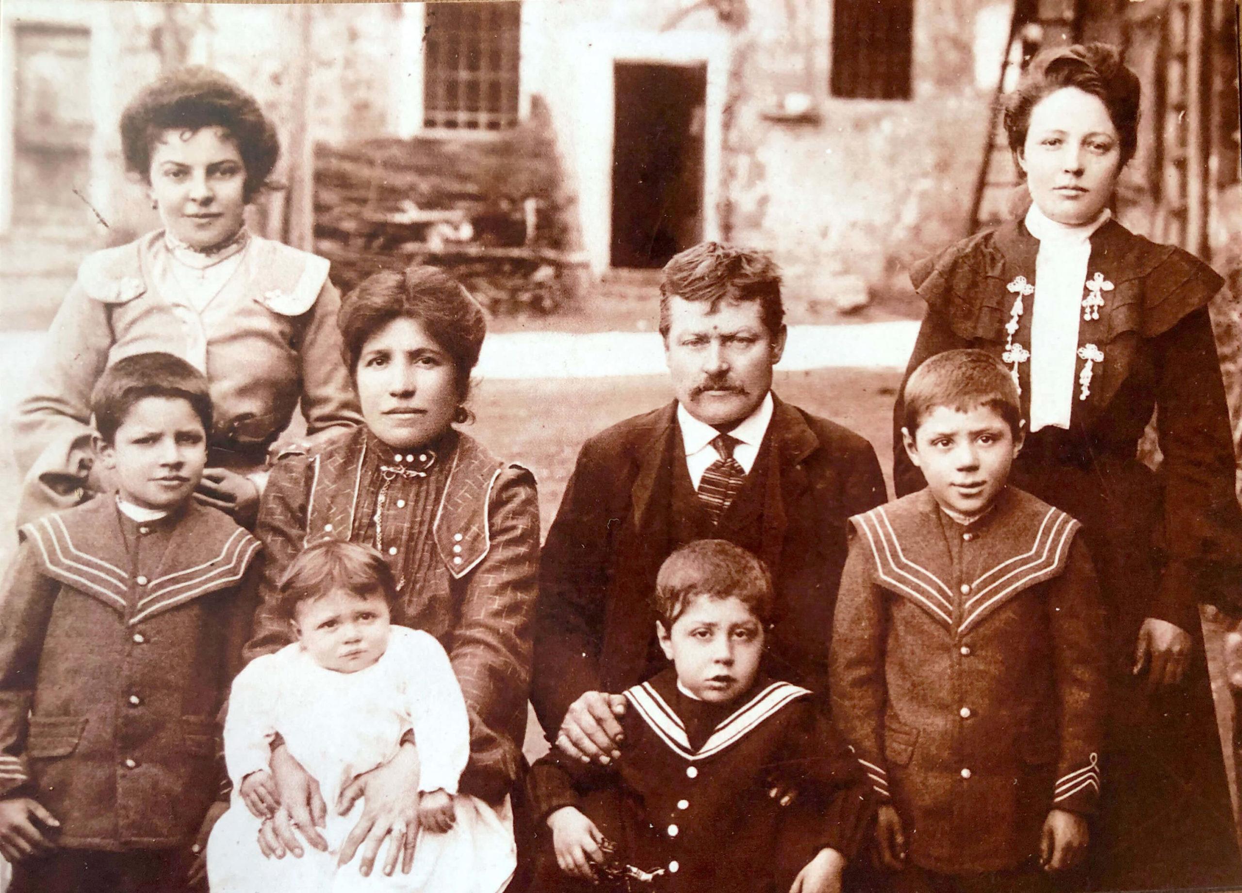Famiglia-Venegoni-1908